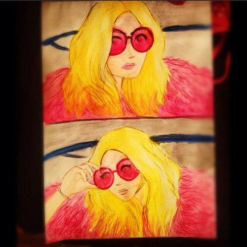 Cartoon: mary kate olsen (medium) by naths tagged mary,kate,olsen,girl,pink,sunglasses,blonde,fashion