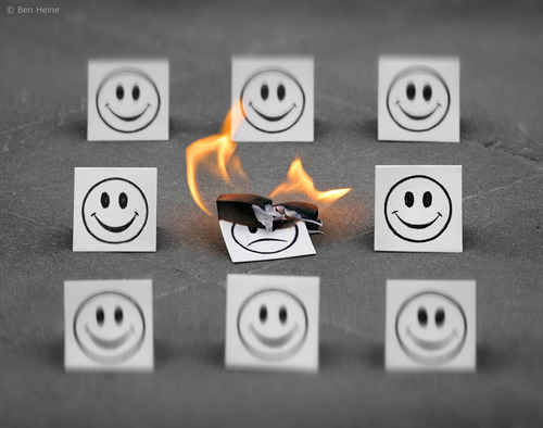 Cartoon: Feeling Bad (medium) by BenHeine tagged 200mm,burn,brule,sad,lens,art,benheine,party,drawing,emoticon,feeling,pencil,vs,camera,photography,samsungimaging,simplicity,smile,smileys,sourire,swing,the,artistery,fun,balancoire,childhood,enfance,crowd,foule,group,together