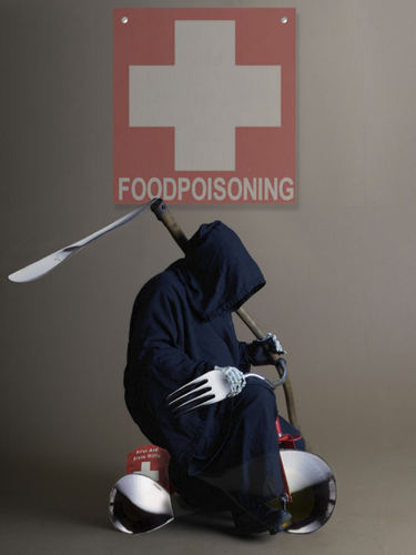 Cartoon: First aid foodpoisoning! (medium) by willemrasingart tagged haute,cuisine