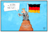Cartoon: Auf dem Mobilfunkgipfel... (small) by Kostas Koufogiorgos tagged karikatur,koufogiorgos,illustration,cartoon,mobilfunk,gipfel,kommunikation,funkloch,netz,telekommunikation,handy,deutschland,technik,technologie,kunde